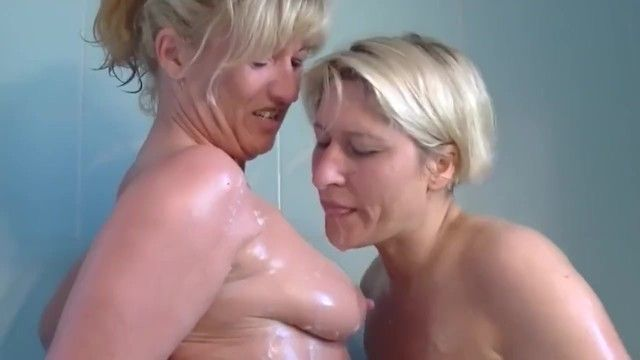 Older lesbos fuck in shower