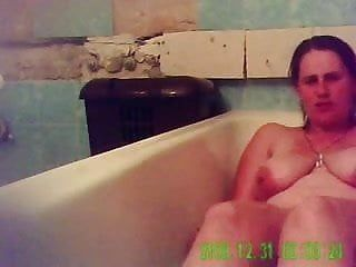 Agonorgasmos of my mamma in baths tube. hidden webcam