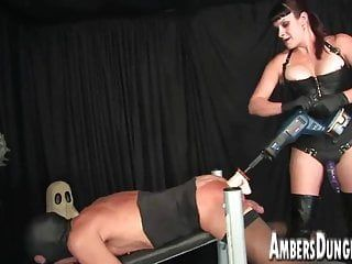 Female-dom lux anal dilling, strap-on and milking of homosexual pig