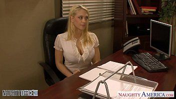 Blondes kagney linn karter and shawna lenee banging in the office