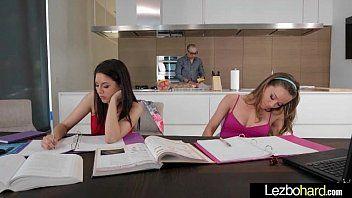 Surpreendente cena de sexo com adolescente lésbica adolescente lesbos angels capri anderson shyla jennings mov-11